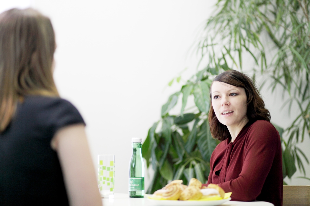 Natascha beim Interview (c) Christian Zwetti